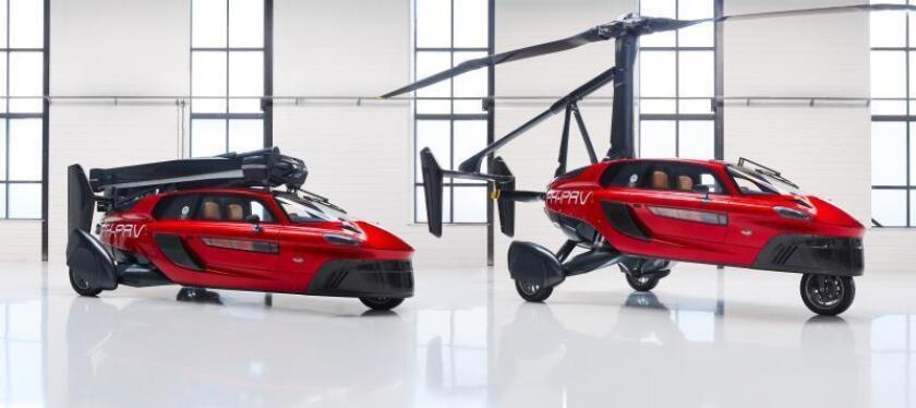 """Fotografía facilitada por PAL-V International que muestra el vehículo Pal-V Liberty, un híbrido entre coche y autogiro que empezará a circular en 2020 y fue expuesto hoy en la feria """"Innovation expo 2018"""", en Rotterdam. EFE"""