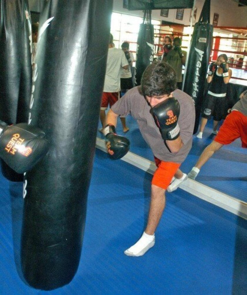 MURRIETA: Teens learn to box from Police Activities League