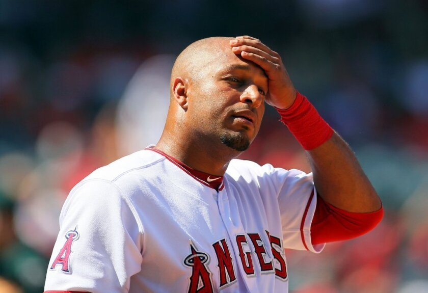 Angels finalize trade of Vernon Wells to Yankees