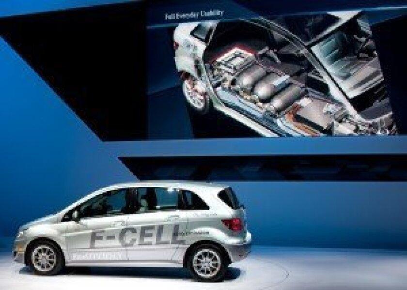 Mercedes-Benz F-CELL at 2010 LA Auto Show