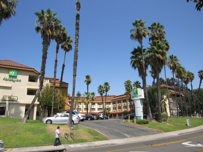 The Holiday Inn on Parkway Drive in La Mesa may become a spot for homeless individuals to be housed.