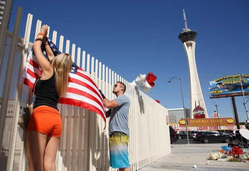 """Un vendedor de munición de Arizona que fue declarado """"persona de interés"""" por las autoridades que investigan la matanza de Las Vegas, en la que fueron asesinadas 58 personas, fue detenido y acusado hoy por no tener licencia para su actividad comercial. EFE/Archivo"""