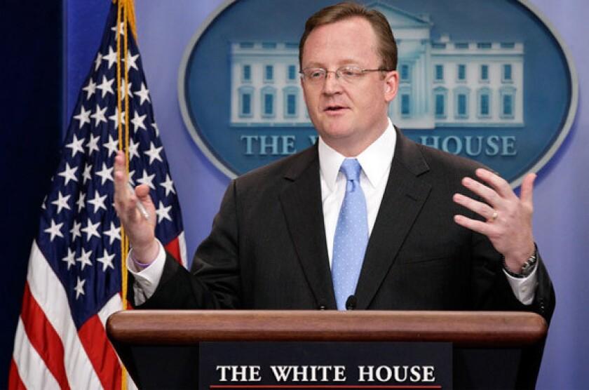 White House spokesman Robert Gibbs apologizes to fired USDA official Shirley Sherrod.