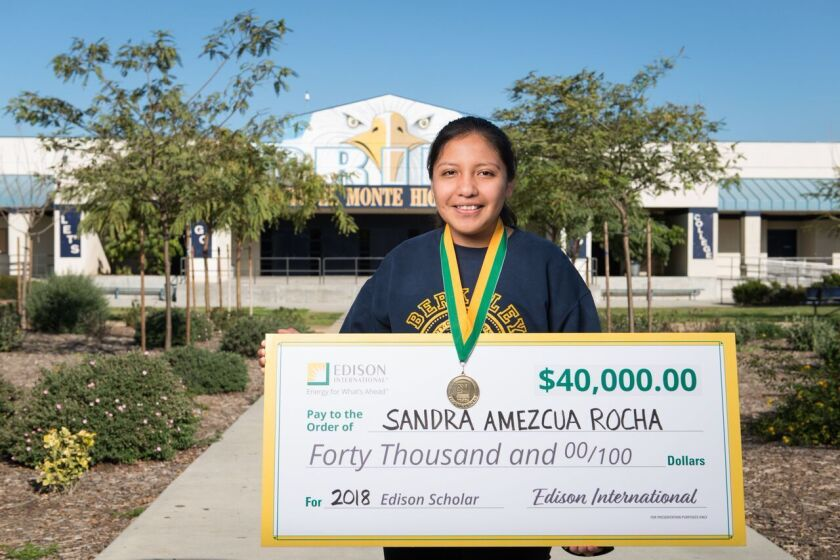 Sandra Amezcua ya puede asistir a la universidad.