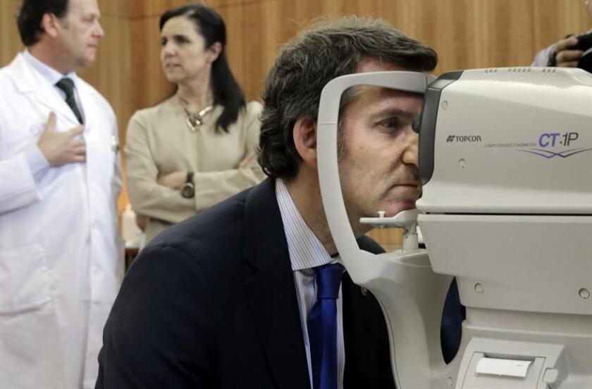 La implantación de un pequeño y poco costoso dispositivo en el ojo permitirá a las personas con glaucoma saber cómo está su presión ocular cuando y donde quieran, informó hoy la Universidad Internacional de Florida (FIU). EFE/ARCHIVO