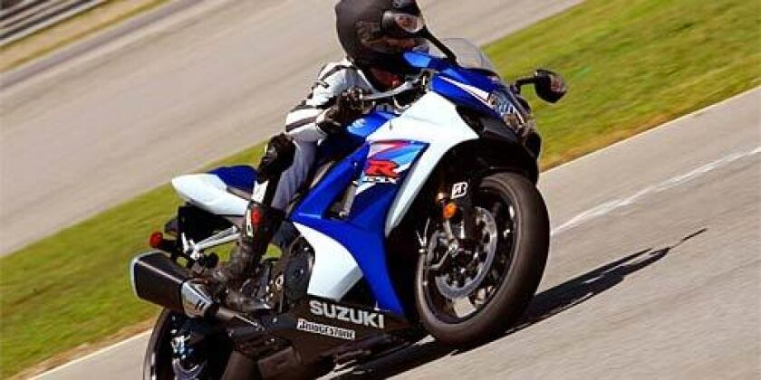 Suzuki GSX-R1000 is fast to adjust to surroundings - Los