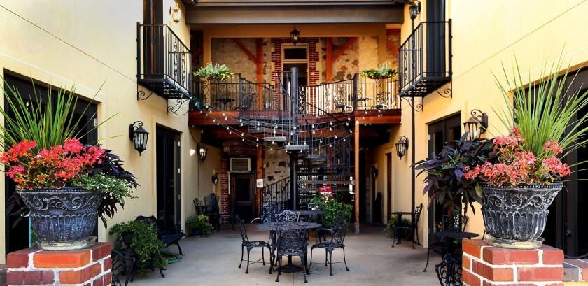 Quincy Courtyard Suites in Quincy, Calif.