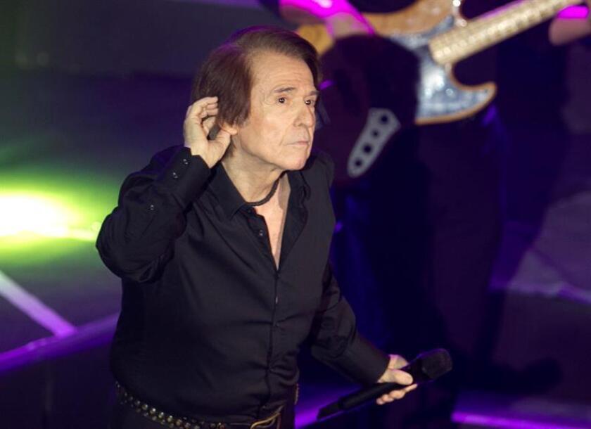 Imagen de archivo del cantante español Raphael. EFE/Archivo