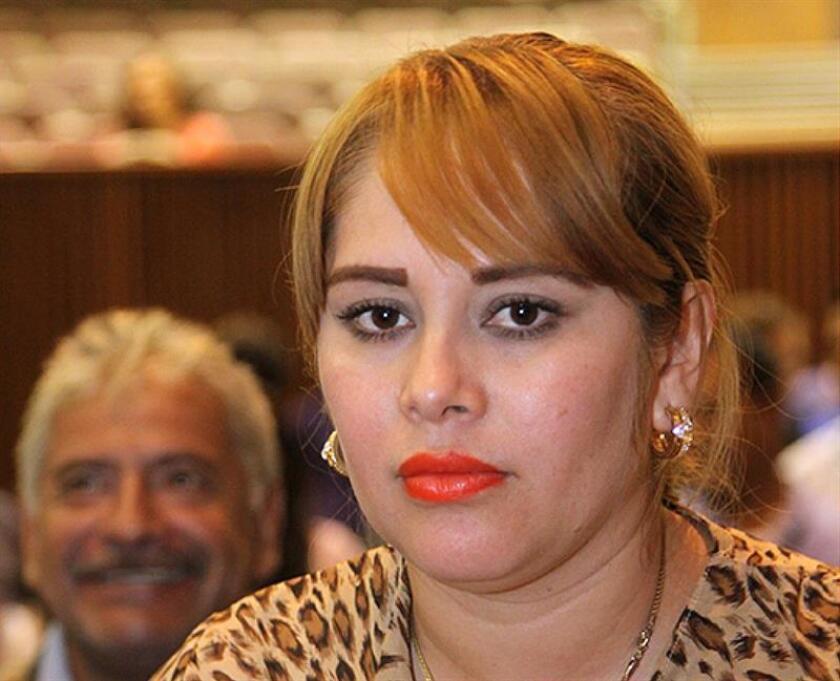 """Fotografía donde aparece la exdiputada mexicana Lucero Guadalupe Sánchez López, conocida como """"Chapodiputada"""" por su presunta relación con el narcotraficante Joaquín """"el Chapo"""" Guzmán. EFE/STR/Archivo"""