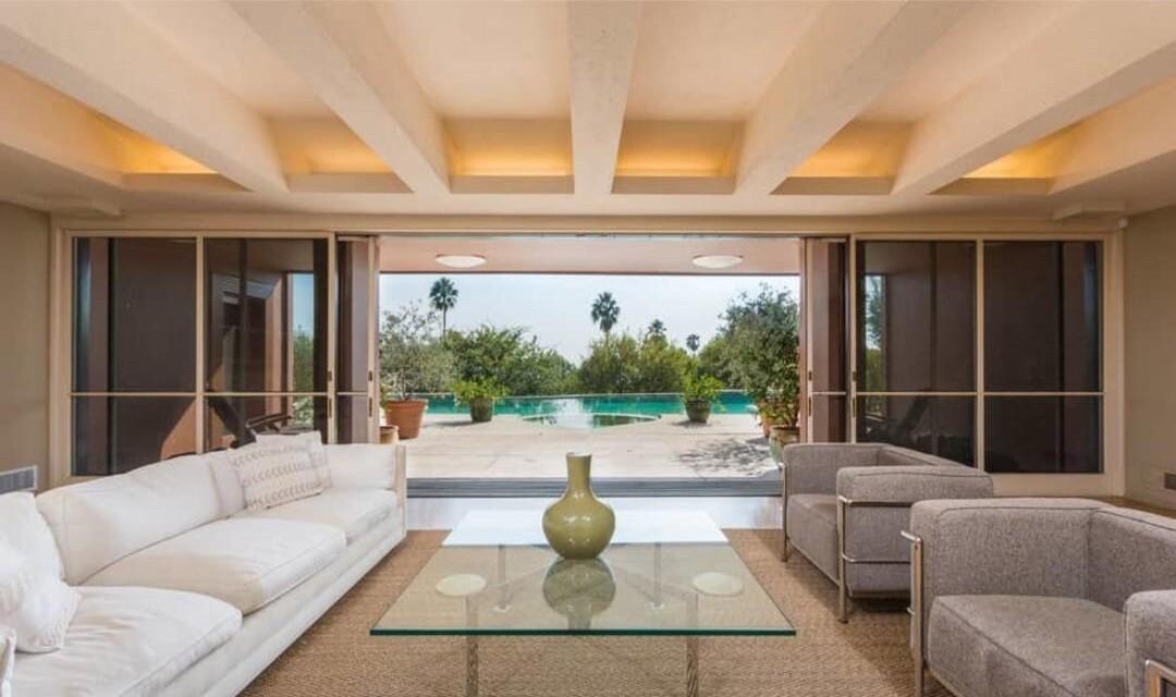 Margo Leavin's Streamline Moderne home