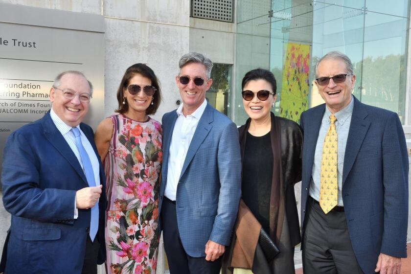 Nicholas McGegan, Jane and Eric Sagerman, Hyunah Yu, Salk president emeritus William Brody