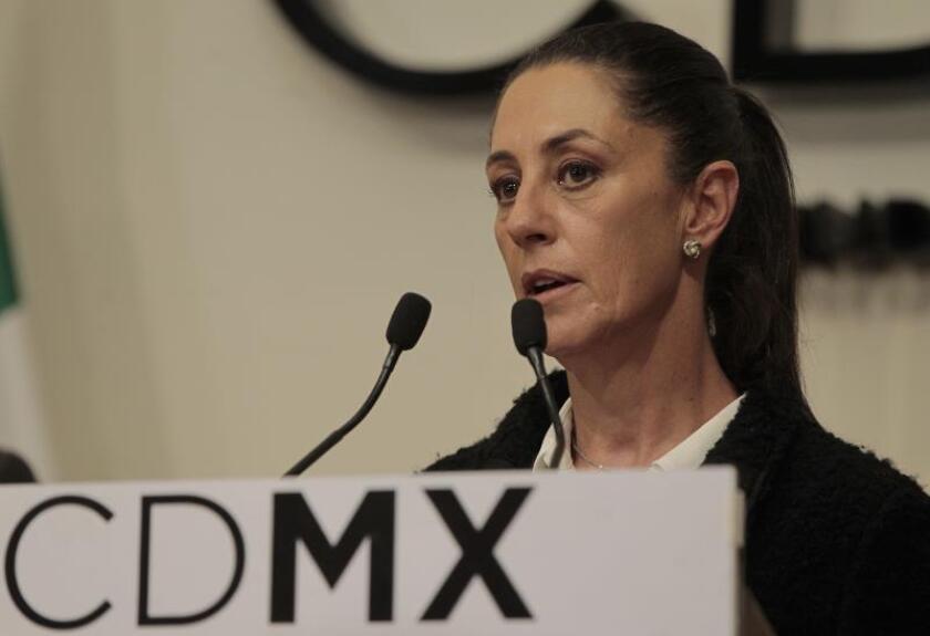 Alcaldesa de Ciudad de México advierte a la policía del fin de la corrupción