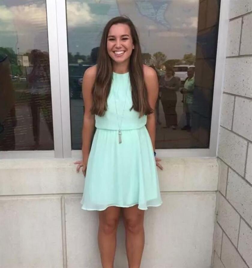 """La estudiante Mollie Tibbetts, presuntamente asesinada por el inmigrante mexicano Christian Bahena Rivera, murió a causa de """"múltiples heridas punzantes"""", según un informe preliminar revelado hoy por la Oficina del Médico Forense de Iowa. EFE/Iowa Department of Public Safety/SOLO USO EDITORIAL/NO VENTAS/MEJOR CALIDAD DISPONIBLE"""