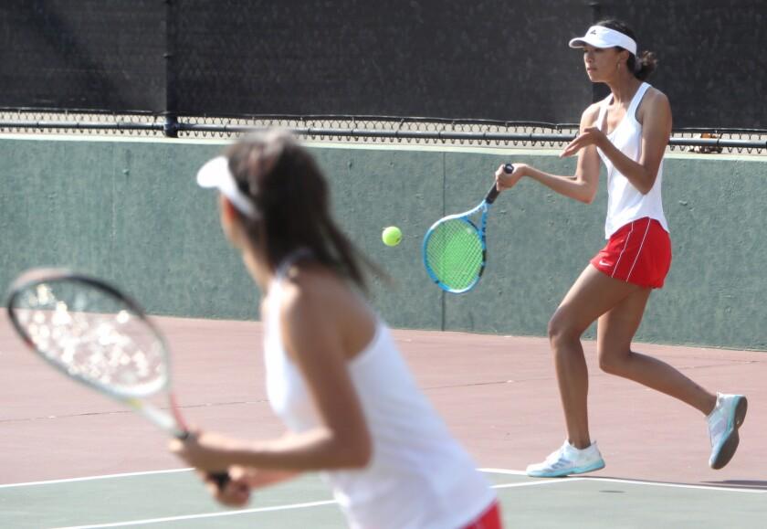 tn-gnp-sp-glendale-burroughs-girls-tennis-20190910-4
