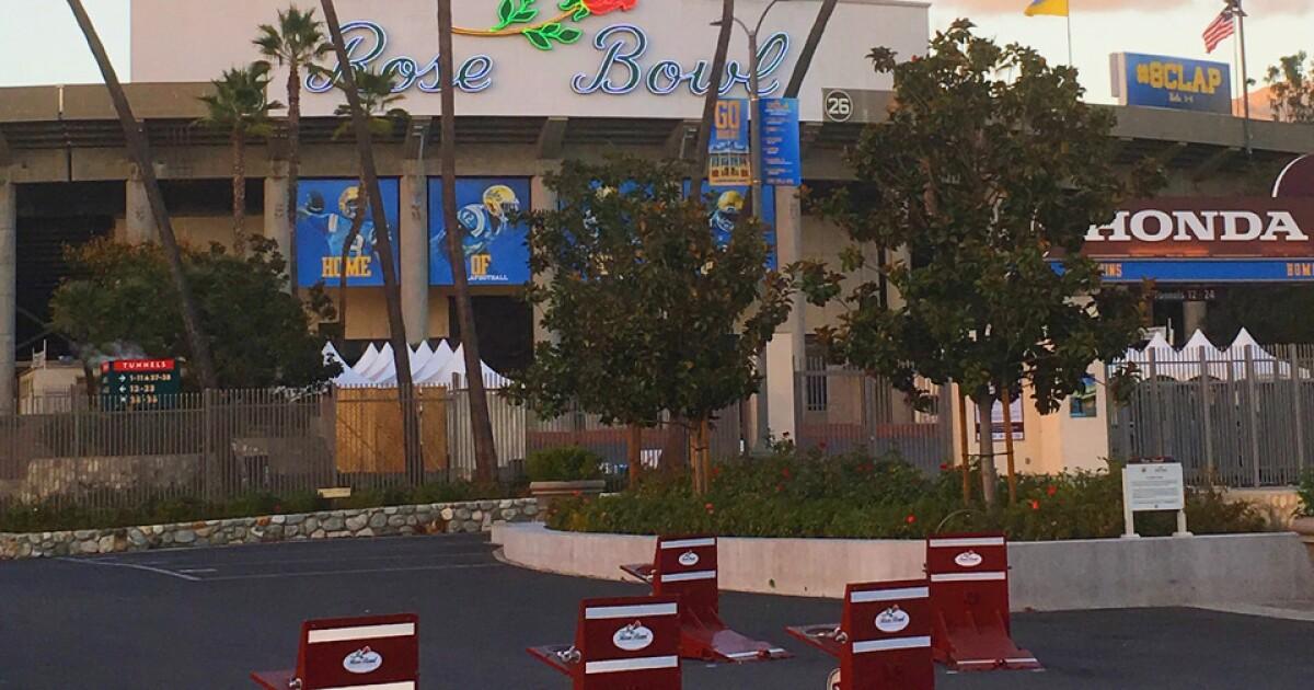 Μετά τις τρομοκρατικές επιθέσεις με οχήματα, τα εμπόδια θα φέρει μεγαλύτερη ασφάλεια για να το Rose Bowl παιχνίδι και παρέλαση