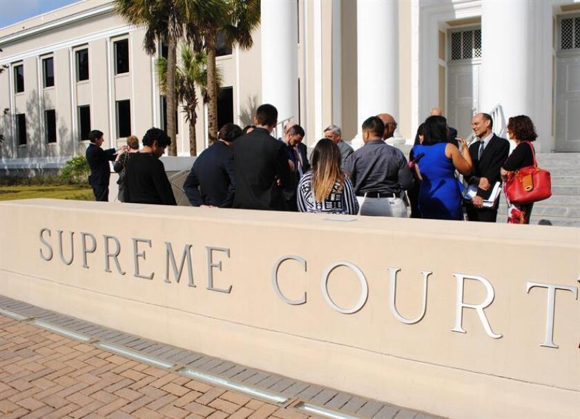 El Tribunal Supremo rechazó hoy considerar una demanda contra la pena capital interpuesta por Thomas Arthur, un reo condenado a muerte en Alabama por asesinar en 1982 al marido de su entonces amante a cambio de 10.000 dólares. EFE/ARCHIVO
