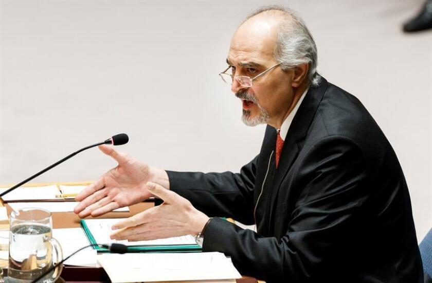 El embajador sirio ante las Naciones Unidas, Bashar Jaafari, interviene en el Consejo de Seguridad de la ONU solicitado por Rusia para abordar la situación en Siria, en la sede de la ONU en Nueva York (Estados Unidos), el 12 de abril de 2018. EFE/Archivo
