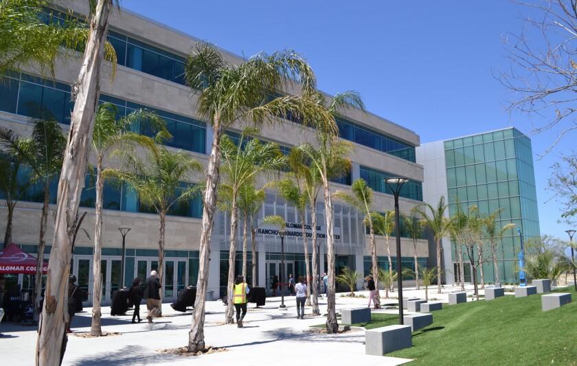 Entrance to Palomar College Rancho Bernardo Education Center.