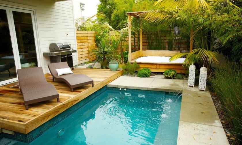 Small Garden Is Tropical Oasis The San Diego Union Tribune