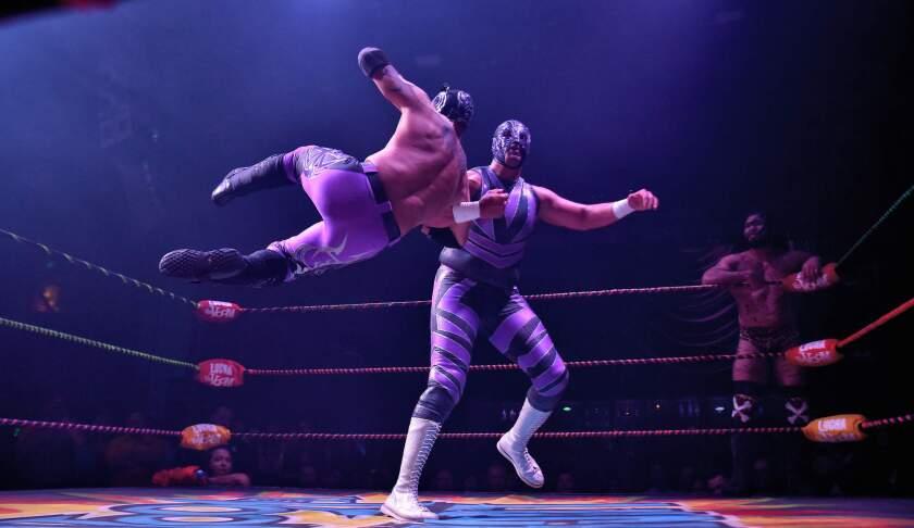 hoyla-el-luchador-mexicano-magno-celebra-11-an-001