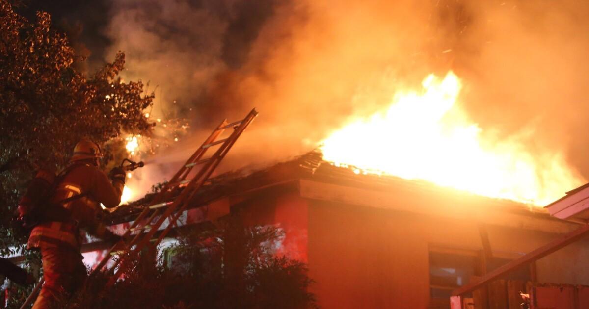 73-year-old γυναίκα πεθαίνει σε Granada Hills φωτιά