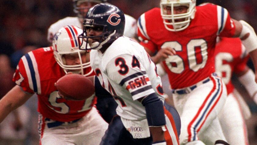 Chicago Bears' Walter Payton runs during Super Bowl XX against the New England Patriots.