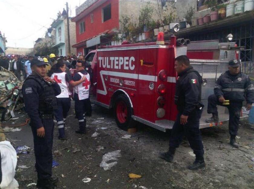 Cinco muertos y al menos ocho heridos, entre ellos cuatro menores de edad, es el saldo que ha dejado una explosión en una casa que presuntamente se usaba como almacén de artificios pirotécnicos en el central municipio de Tultepec. EFE/Archivo