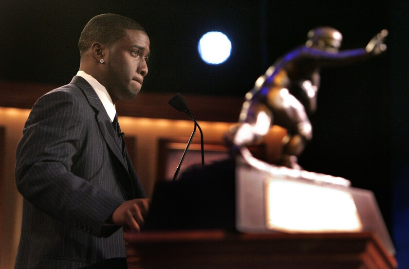 Reggie Bush gives his acceptance speech as the winner of the 2005 Heisman Trophy award.