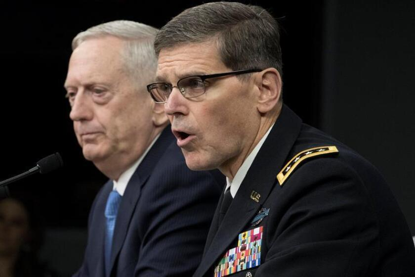 """El general Joseph Votel, jefe del Mando Central (CENTCOM) de las Fuerzas Armadas, dijo hoy que no cree que Washington esté considerando la posibilidad de entrar en guerra con Irán, aunque reconoció que una de sus """"responsabilidades"""" es estar preparado para """"lo inesperado"""". EFE/Archivo"""