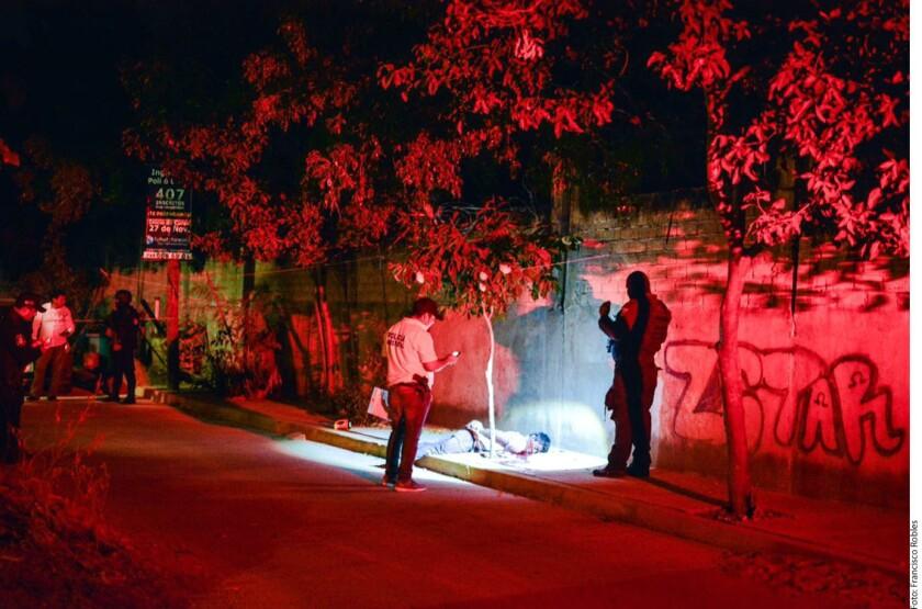 Al menos siete personas muertas, entre ellas un mando municipal y una agente ministerial, fueron asesinadas hoy en el estado de Guerrero.