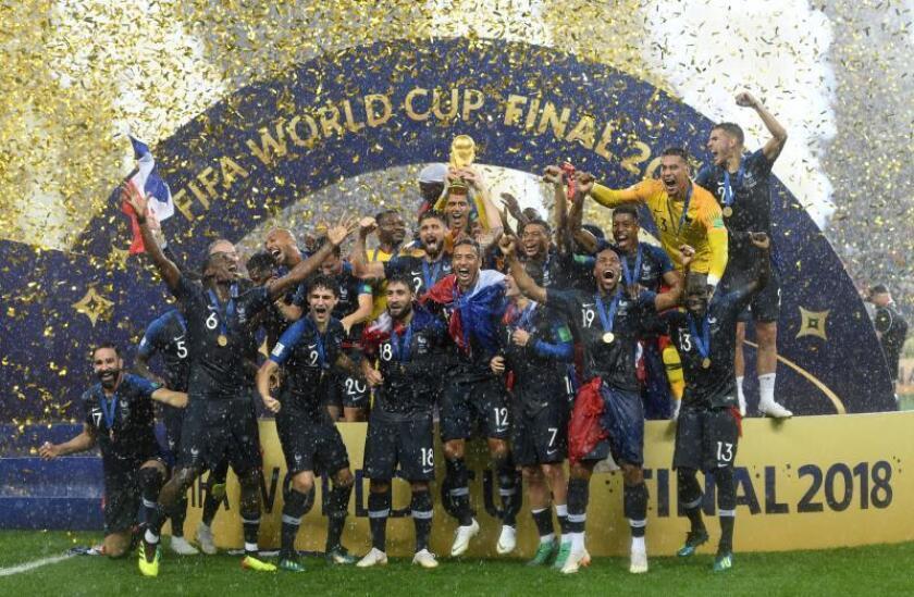 Los jugadores de la selección francesa celebran su triunfo en la final del Mundial de fútbol de Rusia. EFE/Archivo