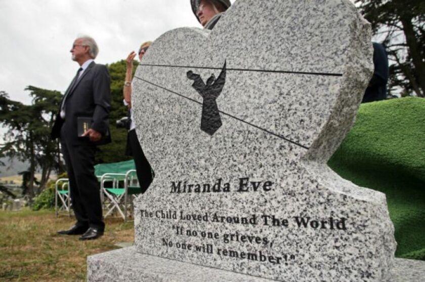 Miranda Eve es el nombre elegido para identificar a la pequeña desconocida, hasta que alguien averigüe quién era realmente.