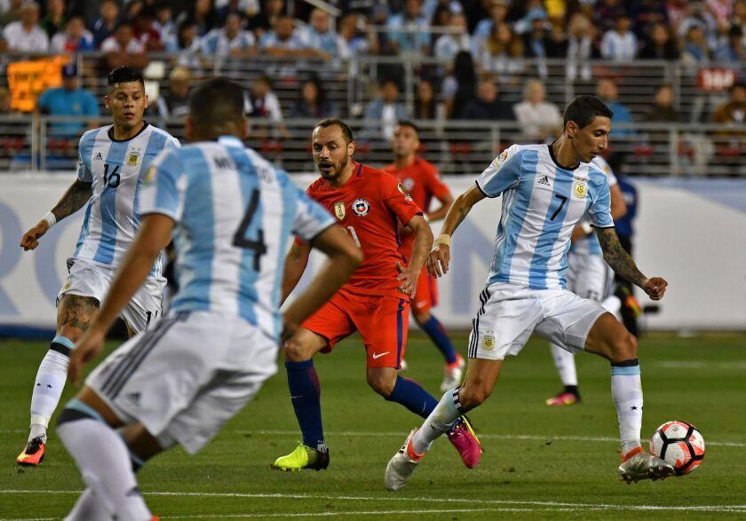 DiMaria (7) fue crucial en el triunfo de Argentina contra Chile.