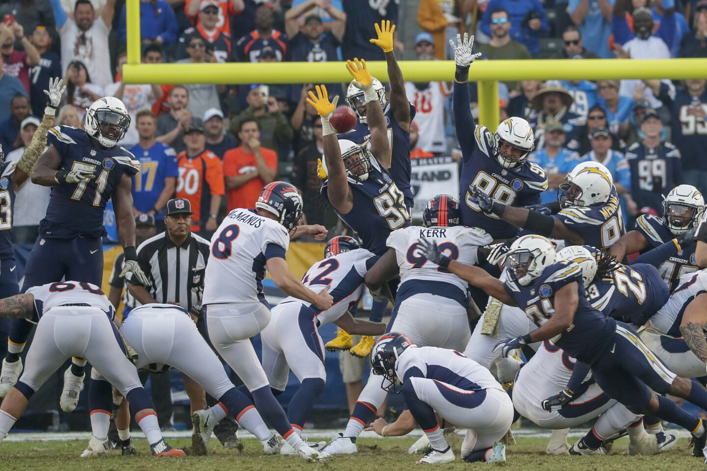 Denver Broncos kicker Brandon McManus kicks a 34-yard field goal to beat the Chargers 23-22 at Stubhub Center.