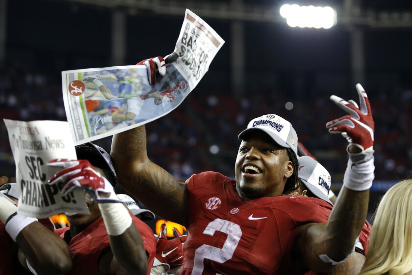 Alabama's Derrick Henry wins Maxwell Award, honoring the player of the year
