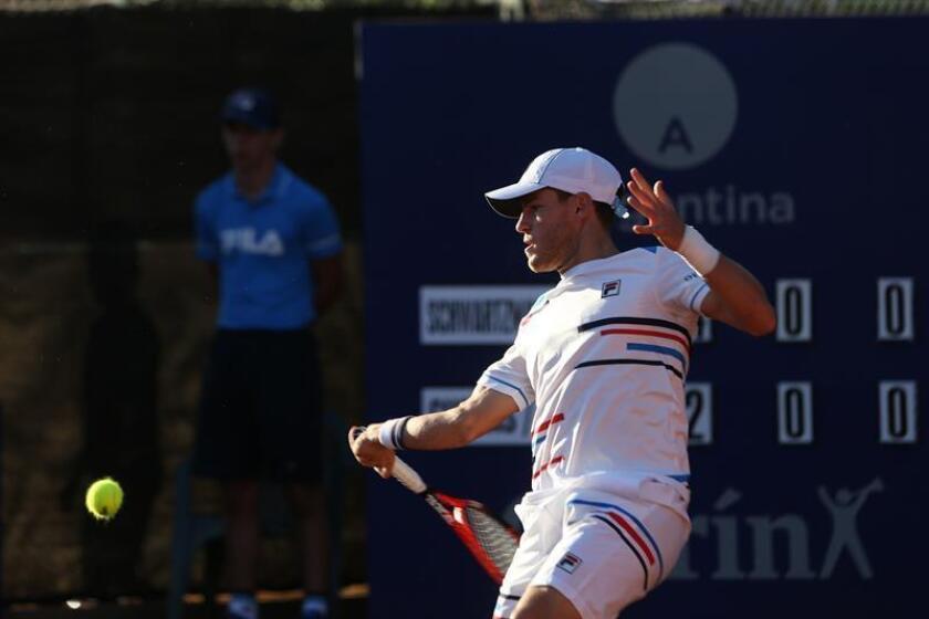 En la imagen un registro del tenista argentino Diego Schwartzman, campeón de la más reciente edición del Abierto de Río de Janeiro. EFE/Archivo