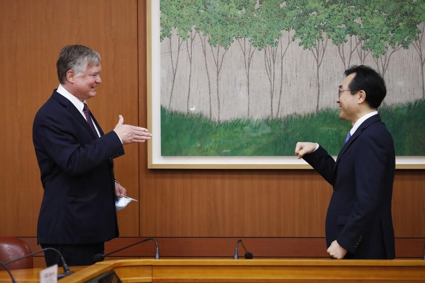 U.S. Deputy Secretary of State Stephen Biegun with South Korea's Lee Do-hoon in Seoul