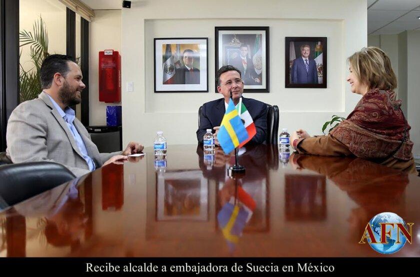 Recibe alcalde a embajadora de Suecia en México
