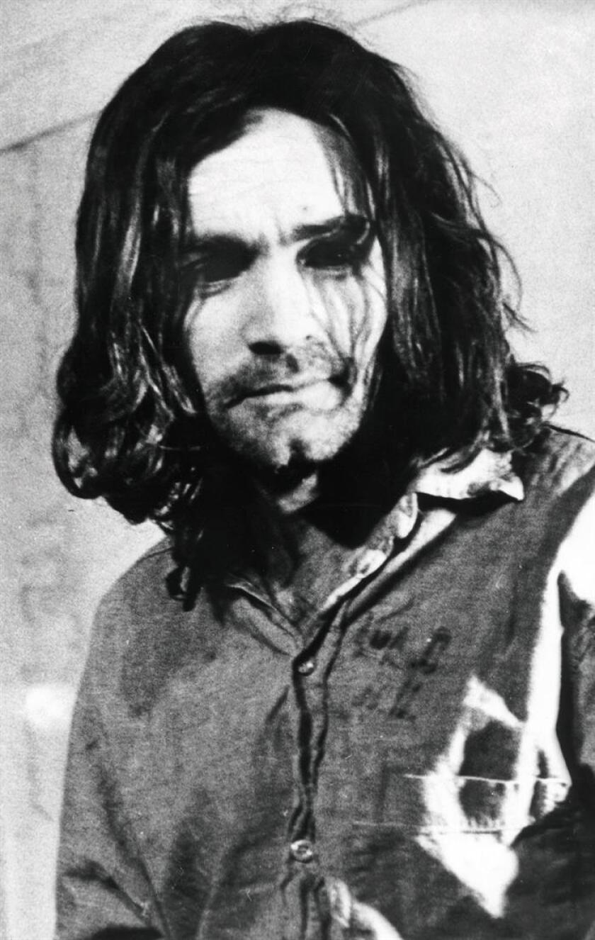 El asesino en serie Charles Manson ingresó hoy enfermo de gravedad a un hospital del estado de California, donde cumple cadena perpetua por sus crímenes, según informó hoy Los Angeles Times. Imagen de Manson de enero de 1971. EFE