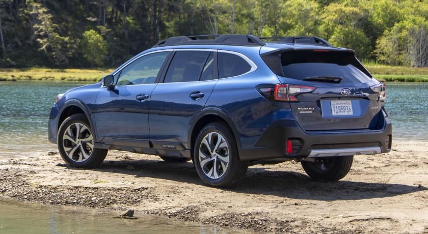 sd-ad-au-0419-Subaru-Outback-Redesign-Exterior-Rear.jpg