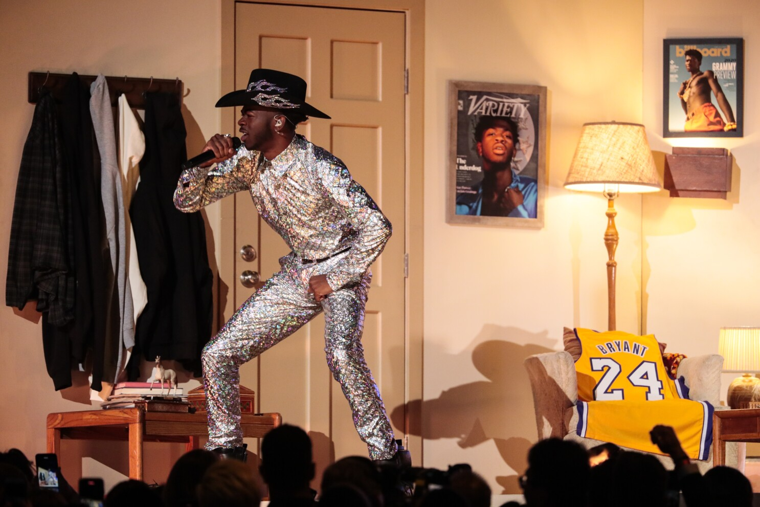 2020 Grammys Fashion Lizzo Lil Nas X And Ariana Grande Nail Bold Outfit Changes Los Angeles Times