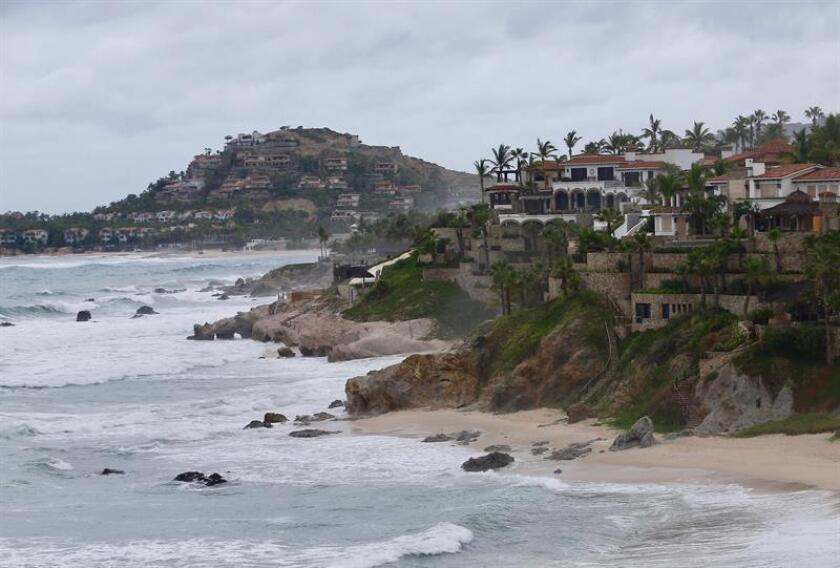 Vista general de una playa en Los Cabos, Baja California Sur (México). EFE