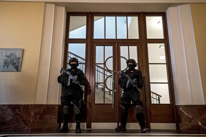 El Gobierno de Estados Unidos agradeció hoy a la República Checa la extradición del hacker ruso Jevgenij Nikulin, acusado de piratear los sistemas de LinkedIn, Dropbox y Formspring. EFE/ARCHIVO