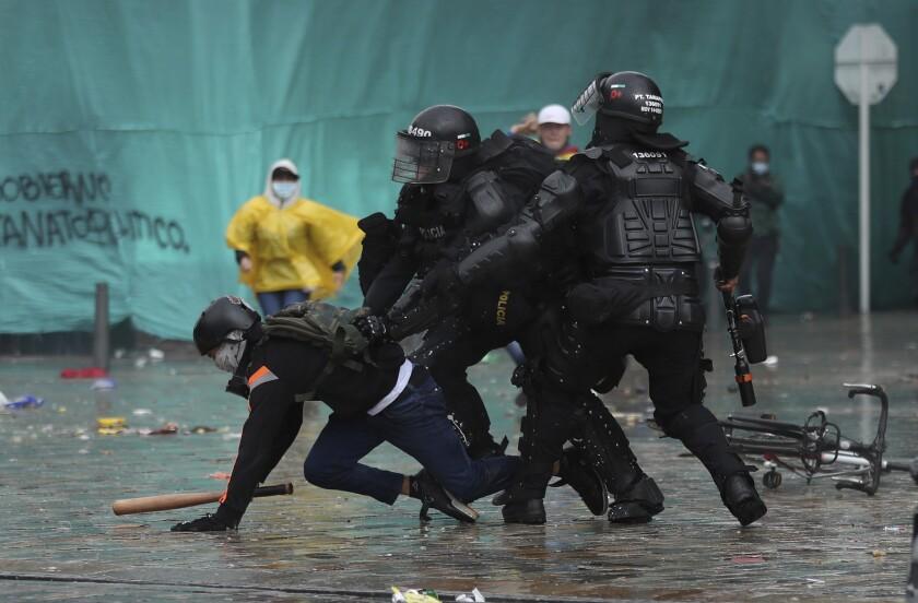 Colombia: Se eleva a 24 cifra de muertos en manifestaciones