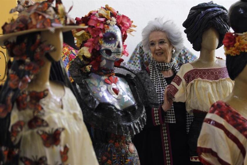 Fotografía fechada el 27 de febrero de 2018 que muestra a la diseñadora María Luisa de Chávez durante una entrevista con Efe en Ciudad de México (México). EFE