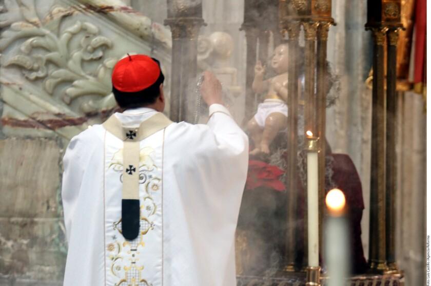 Foto de archivo. El Cardenal Norberto Rivera (foto) aseguró que la solidaridad llama a las personas a amarse mutuamente y a compartir los unos con los otros.