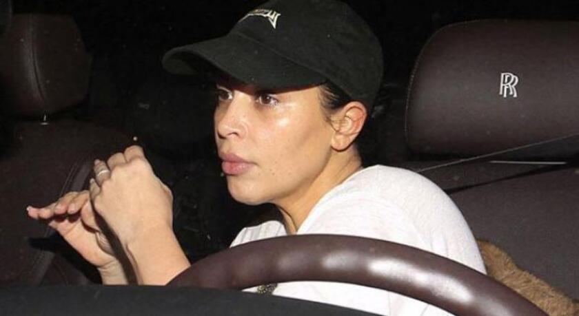 En televisión Kim Kardashian luce espectacular. Conózcala sin una gota de maquillaje. Fue captada así, mientras se dirigía a una cita médica en Beverly Hills.