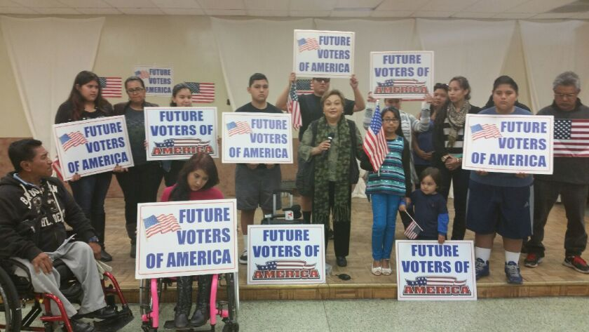 Familias latinas sacan fuerzas de flaqueza y piden a Obama apelar fallo contra alivios migratorios