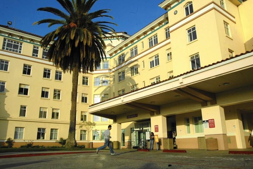 Hollywood Presbyterian Medical Center pays ransom to hacker
