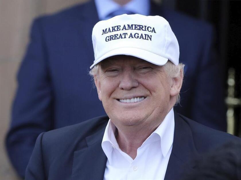 El presidente electo de Estados Unidos, Donald Trump, jugó hoy al golf antes de despedir el año en el que ganó las elecciones presidenciales en una exclusiva fiesta en su club Mar-a-Lago, en Palm Beach (sur de Florida). EFE/ARCHIVO